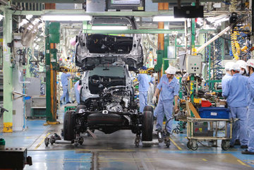 Chi phí sản xuất linh kiện quá cao, doanh nghiệp ô tô khó tăng nội địa hóa