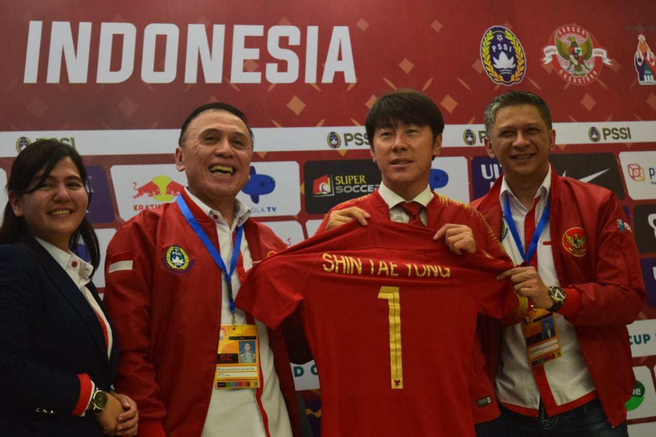 Tuyển Indonesia,Shin Tae Yong,Tuyển Việt Nam,HLV Park Hang Seo,Keisuke Honda,Tuyển Campuchia