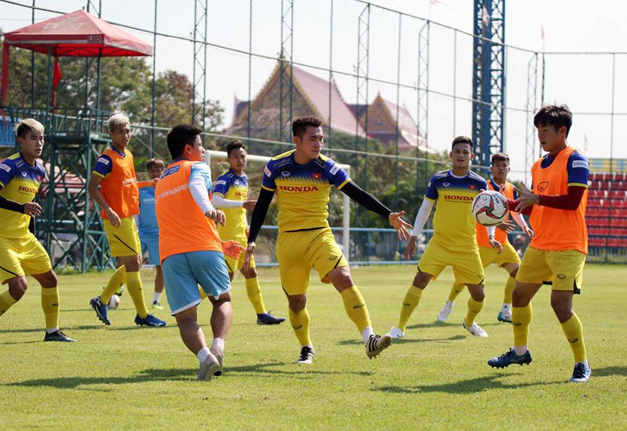 Thanh Thịnh được thầy Park kèm riêng, háo hức chờ đấu UAE