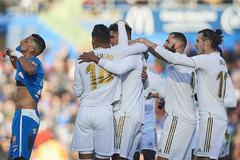 """Thắng """"3 sao"""", Real Madrid đua gắt với Barca"""