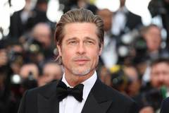 Brad Pitt bỏ chạy về nhà sau lần đầu tiên hôn bạn gái