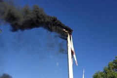 Cháy tuabin trụ điện gió cao gần 100m tại Bình Thuận