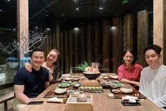 Chi Bảo sau 2 lần ly hôn: Dắt người yêu mới kém 16 tuổi 'ra mắt' vợ cũ và con trai