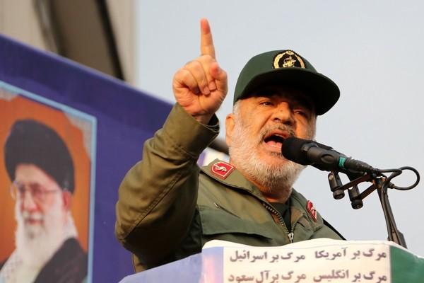 'Đáp trả từ Iran sẽ kết thúc sự hiện diện của Mỹ ở khu vực'