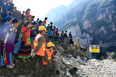 Ngôi làng bị cô lập ở Trung Quốc sắp được kết nối với thế giới