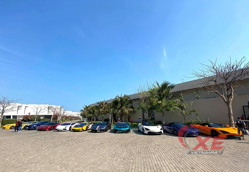 Nguyễn Quốc Cường cùng dàn siêu xe độc nhất Việt Nam tụ họp cuối năm