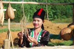 Cultural characteristics of the Kho Mu
