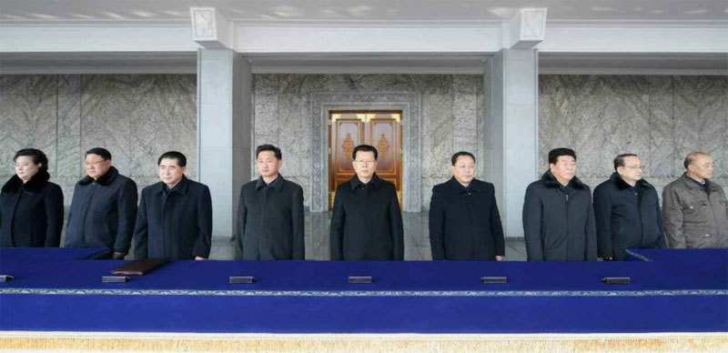 Biển người Triều Tiên tuần hành ủng hộ Kim Jong Un