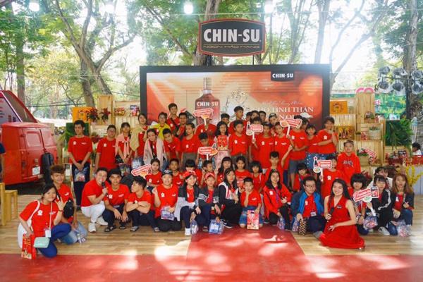 Mang lễ hội Tết Việt đến gần trẻ em hoàn cảnh khó khăn TP.HCM