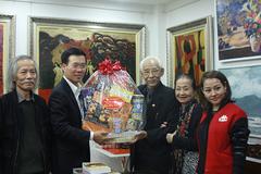Ông Võ Văn Thưởng chúc Tết họa sỹ Trần Khánh Chương