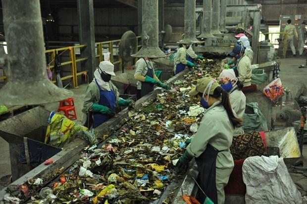 HCM City to change waste sorting method