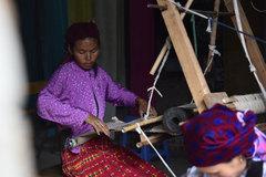 Ấn tượng lớp dạy nghề miễn phí cho phụ nữ nông thôn Sà Phìn
