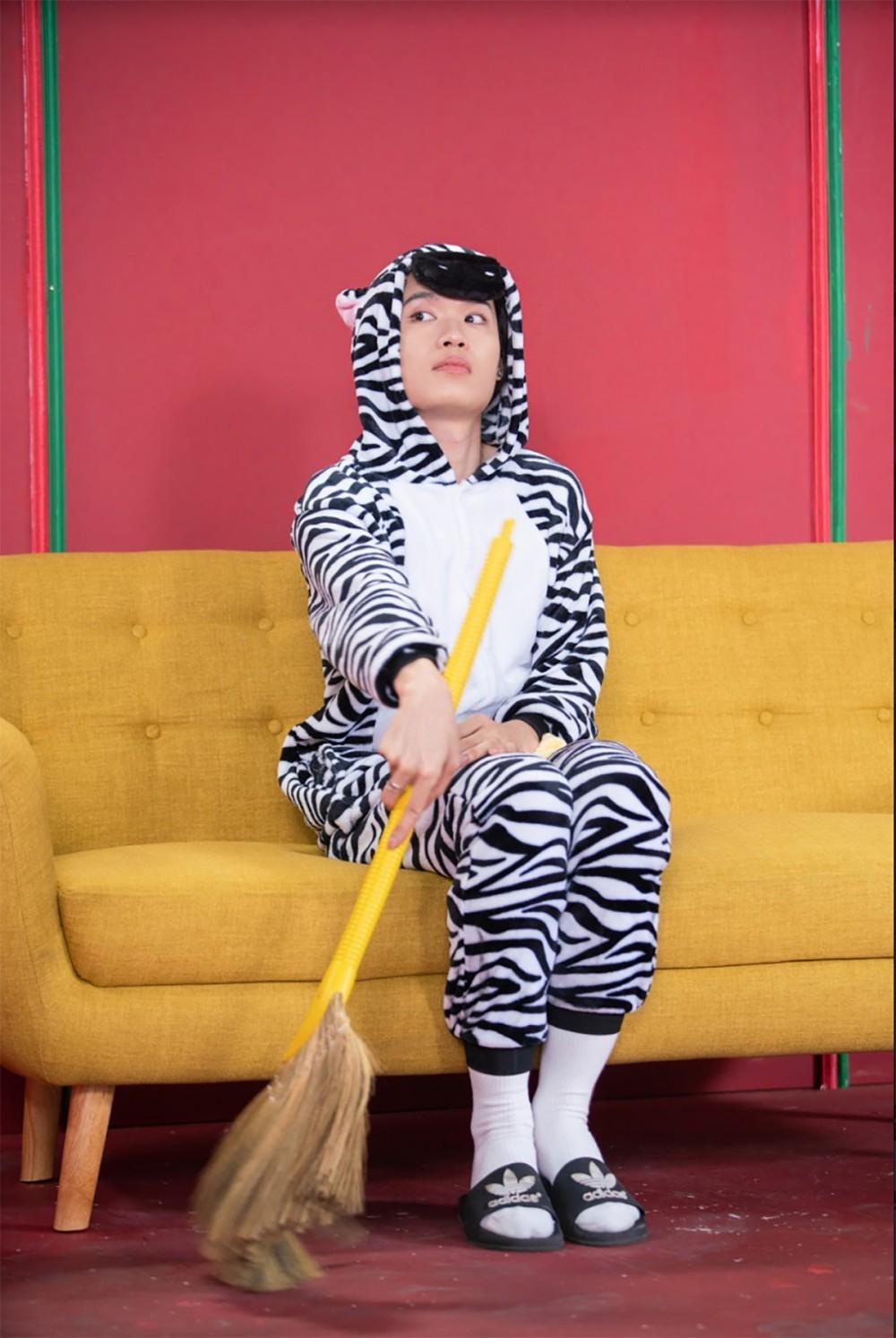Thiều Bảo Trang, Quang Trung diện áo hình thú sặc sỡ đón Tết