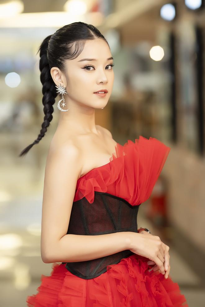Mẹ Hoàng Yến Chibi bán nhà để làm MV tiền tỷ cho con