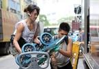 3 cô gái làm nghề bốc vác, lái xe nổi tiếng trên mạng nhờ xinh đẹp