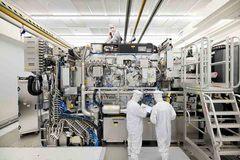 Mỹ chặn Hà Lan bán công nghệ chip quan trọng cho Trung Quốc