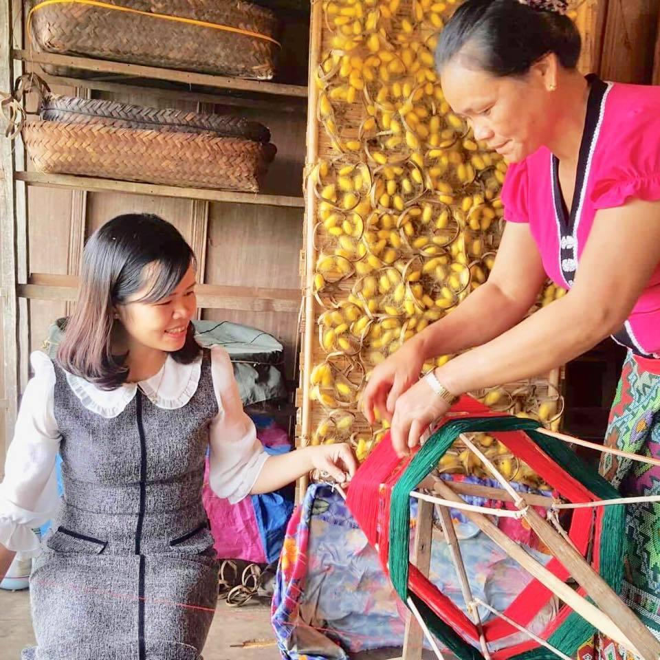 Đào tạo nghề thêu, tạo sinh kế giúp bà con dân tộc ổn định cuộc sống