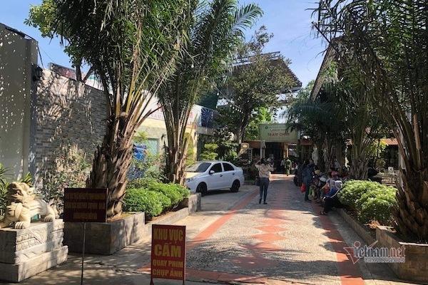 """Đang cưỡng chế công trình vi phạm tại """"tổ hợp ăn chơi"""" Tràm Chim Resort"""