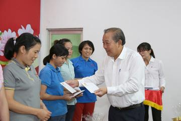 Phó Thủ tướng thường trực: Chăm lo tốt hơn nữa cho công nhân lao động