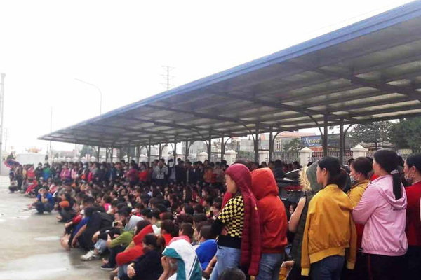 1,000 return to work after victorious Tet bonus strike