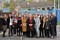 27 cựu học sinh trở lại trường trung học cũ làm giáo viên