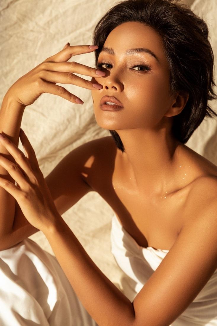 H'Hen Niê đóng phim sau khi kết thúc nhiệm kỳ Hoa hậu