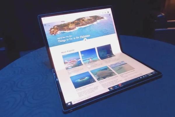 Intel ra mắt tablet cực lớn, có thể gập thành laptop toàn màn hình