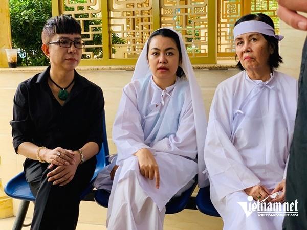 Con trai nghệ sĩ Chánh Tín từ Canada về nhìn cha lần cuối