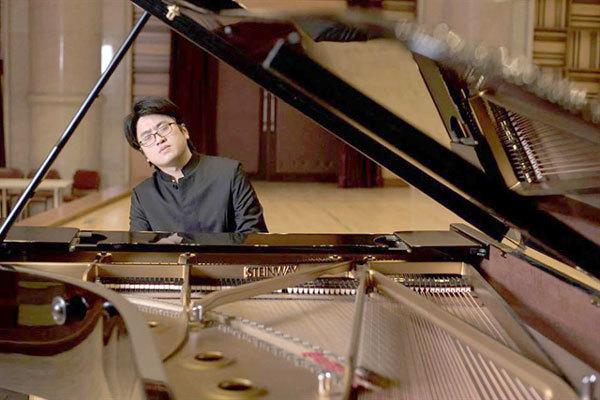 Pianist brothers,perform a duet,pianist Luu Duc Anh,pianist Luu Hong Quang