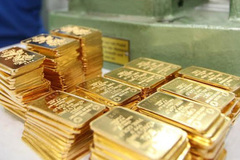 Gold prices in Vietnam slide but further growth expected