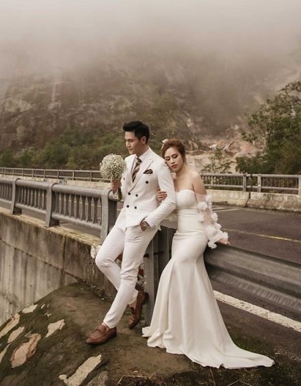 Minh Anh và vợ 9X khoe ảnh cưới lãng mạn tại Đà Lạt