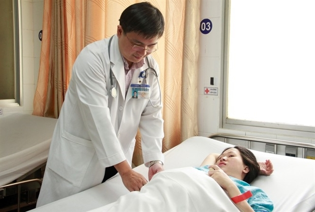 Doctors, nurses welcome Tet in hospital