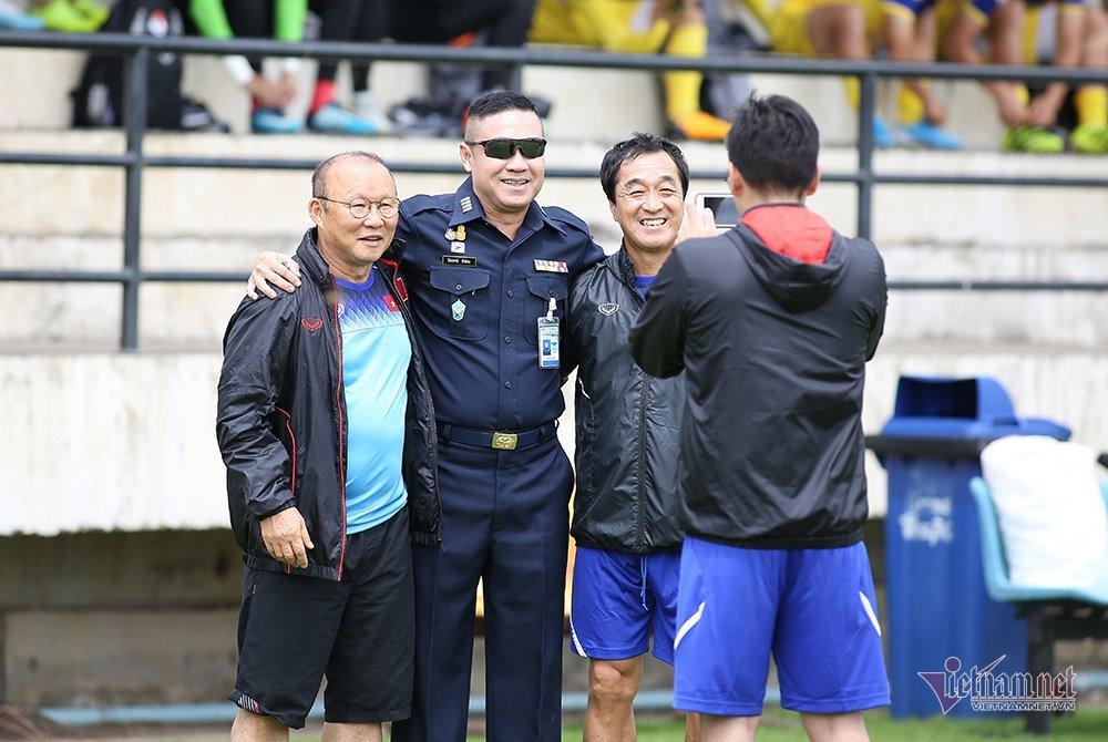 Quyết đấu Bahrain, Thái Lan 'cầu viện' HLV Park Hang Seo