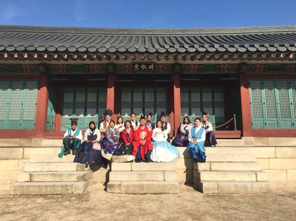 ASEAN-Korea essay contest winners visit Vietnam
