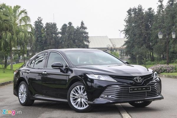 Gần Tết, Toyota Camry bán chênh giá 20 triệu