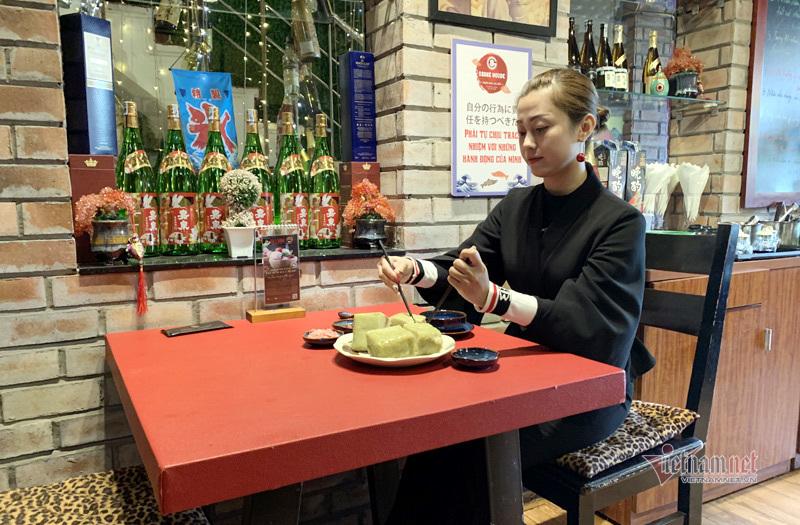 Hương vị khó tả bánh chưng trà xanh nhân cá hồi Na Uy