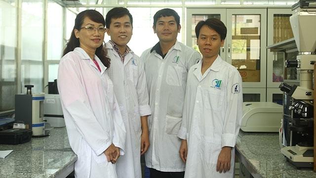 Vietnamese scientists develop new uses for bee venom