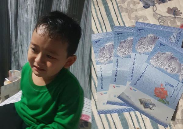 Cậu bé 7 tuổi bán châu chấu kiếm tiền vào ngày thứ 2 đi học