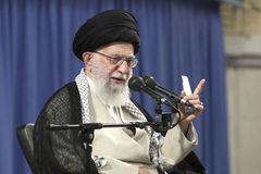 Tổng thống Iran thề đuổi hết quân Mỹ ra khỏi khu vực