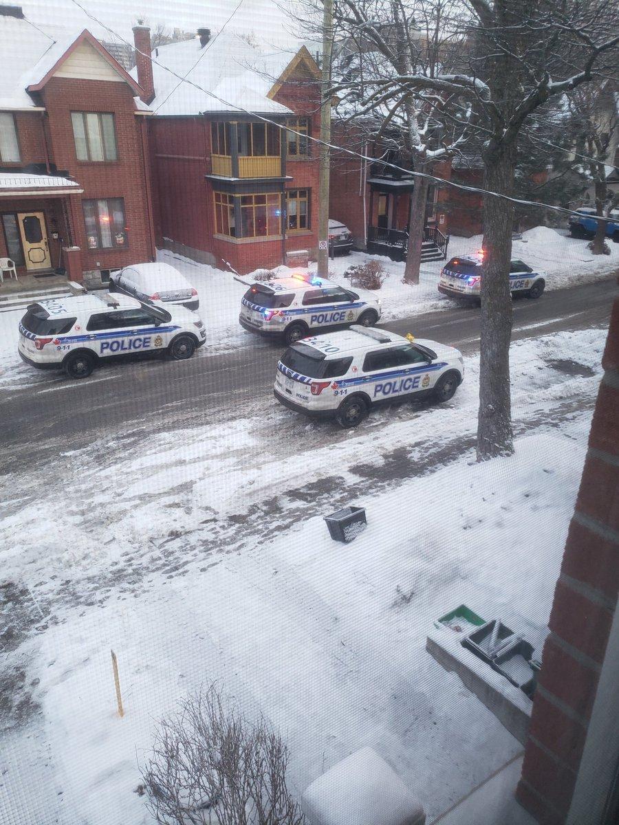 Xả súng ở thủ đô Canada, nhiều người thương vong