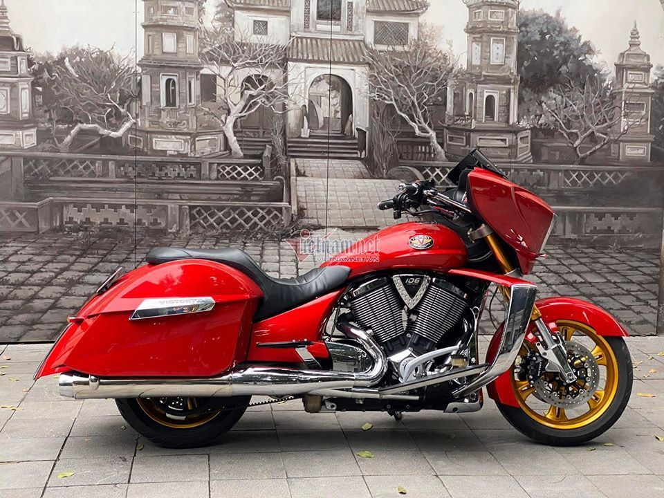 'Phi thuyền' Victory mạ vàng,'Phi thuyền' Victory,Victory mạ vàng độc nhất,siêu mô tô