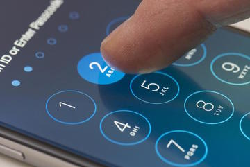 FBI lại yêu cầu Apple mở khóa iPhone tội phạm