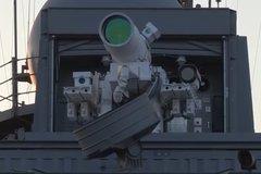 """Hệ thống vũ khí laser thay cho """"Vòm sắt"""" của Israel"""
