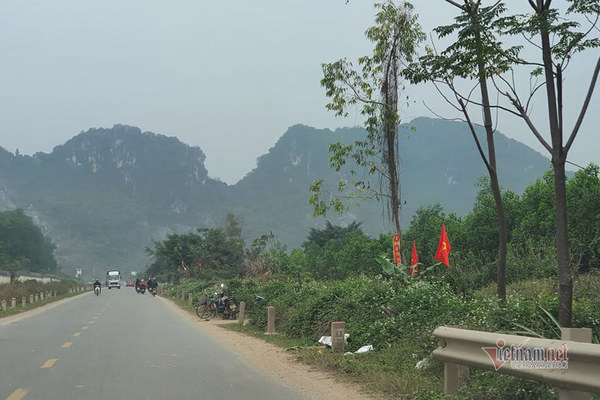Three policemen died in Hanoi's Dong Tam disturbance