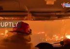 Ấn tượng cảnh lái xe xuyên đám cháy rừng khủng khiếp ở Australia