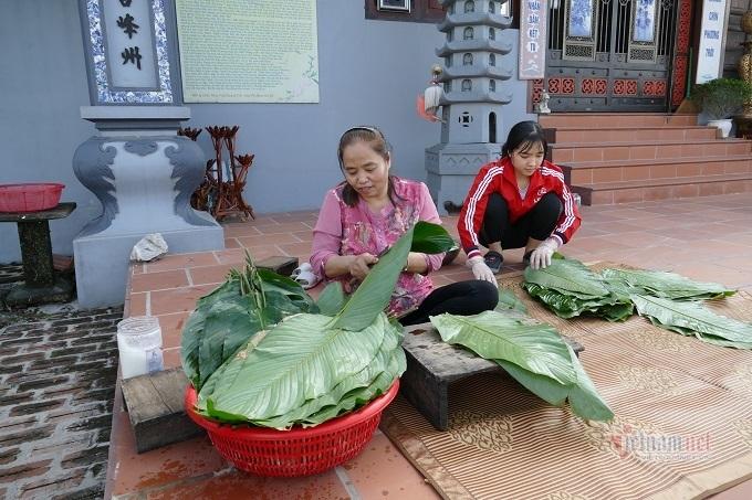 Làng sản xuất bánh chưng Hà Nội tất bật ngày cuối năm