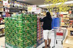 Bất chấp quy định xử phạt nồng độ cồn, giá bia rục rịch tăng giáp Tết