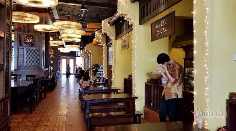 Tầng 1 chung cư thành nhà hàng, dân lo, Phó Thủ tướng 'lệnh' dứt điểm - Ảnh 1