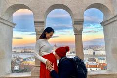 Hoàng Oanh mang thai với chồng Tây