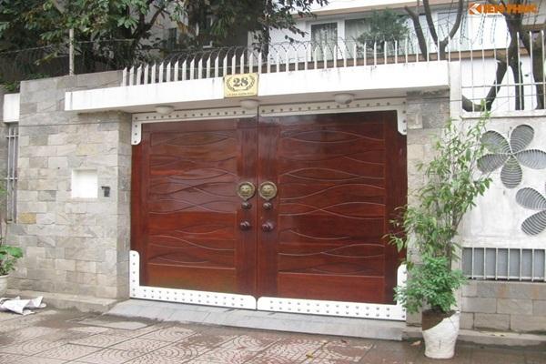 Trang trí cổng nhà đón Tết theo cách này để may mắn ầm ầm kéo đến
